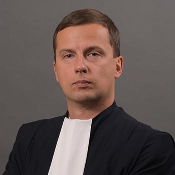 Альберт Єзеров