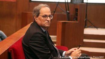 Главу уряду Каталонії судять через символіку руху за незалежність