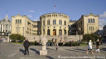 Норвегія звинуватила Росію в хакерській атаці на парламент країни
