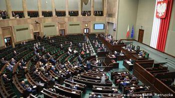 Парламент Польщі ухвалив закон для проведення президентських виборів