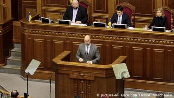 США вітають новий уряд в Україні, в ЄС чекають рішучих реформ